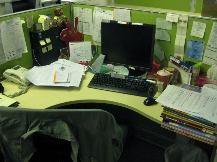 0909 cluttered desk